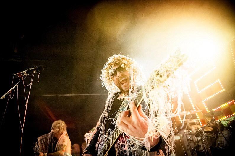 Aschaffenburg, Boppin'B, Colos-Saal, Eventfotografie, Eventfotos, Fasching, Fotografie, Karneval, Konzertfotografie, Konzertfotos, Party, Sedgwick, TUS, Unterfranken, V3, Yeah!, Yeah! feat. The On-Yeahs (4)