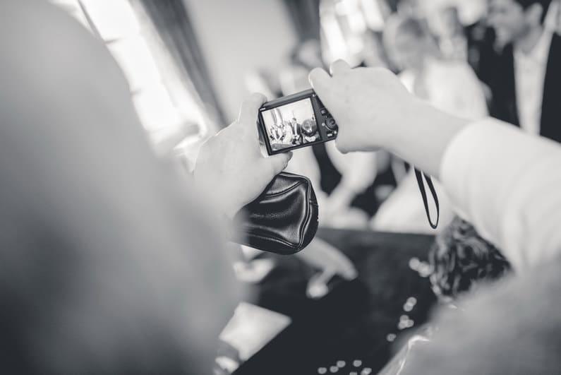 Fotografie, Hochzeit, Hochzeiten, Hochzeitsbilder, Hochzeitsfotograf, Hochzeitsfotos, Hochzeitsmakeup, Hochzeitsreportage, profesionelle Hochzeitsbilder, professioneller Hochzeitsfotograf, Romantisch, Sonnenstrahlen, Verträumt, Wedding, Valentinstag, Groß-Gerau, Mörfelden, Walldorf, Frankfurt, Jagdschloss Mönchbruch (8)
