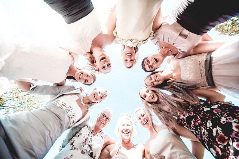 Aschaffenburg, Fotografie, Frankfurt, Hochzeit, Hochzeit bei Regen, Hochzeiten, Hochzeitsbilder, Hochzeitsfotograf, Hochzeitsfotos, Hochzeitsmakeup, Hochzeitsreportage, Park Schönbusch, profesionelle Hochzeitsbilder, professioneller Hochzeitsfotograf, Regenhochzeit, Regenwetter, Reportage, Romantisch, Schönbusch, See, Sektempfang, Sonnenstrahlen, süss, Verträumt, Vintage, Wedding (13)