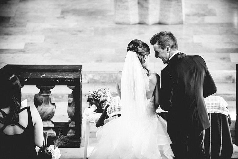 Aschaffenburg, Fotografie, Frankfurt, Hochzeit, Hochzeit bei Regen, Hochzeiten, Hochzeitsbilder, Hochzeitsfotograf, Hochzeitsfotos, Hochzeitsmakeup, Hochzeitsreportage, Park Schönbusch, profesionelle Hochzeitsbilder, professioneller Hochzeitsfotograf, Regenhochzeit, Regenwetter, Reportage, Romantisch, Schönbusch, See, Sektempfang, Sonnenstrahlen, süss, Verträumt, Vintage, Wedding (5)