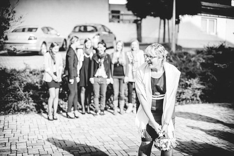 Aschaffenburg, Fotografie, Get Ready, Getready, Getting Ready, Gettingready, Hochzeit, Hochzeiten, Hochzeitsbilder, Hochzeitsfotograf, Hochzeitsfotos, Hochzeitsmakeup, Hochzeitsreportage, Hochzeitstorte, Hofhaus Rimhorn, Lustige Hochzeitsbilder, Lützebach, Odenwald, Pretlack'sche Palais, profesionelle Hochzeitsbilder, professioneller Hochzeitsfotograf, Reportage, Rhein-Main-Gebiet, Rimhorn, Romantisch, Sektempfang, Standesamt, Ungewöhnliche Hochzeit, Wedding (18)