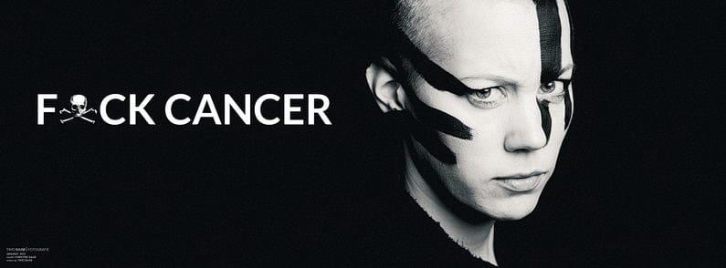 Brustkrebs, Cancer, Fuck You, Fuck Cancer, Krebs, Mammographie, Mammakarzinom, Nicht Aufgeben, Therapie, Fotografie, Timo Raab, Photographer, Christine, Christine Raab, Make-Up, Glatze (3)
