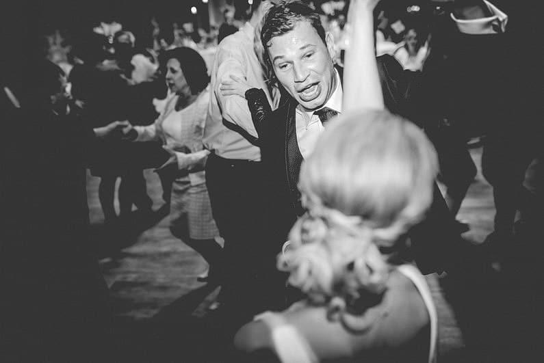 alte US Basis, Aschaffenburg, aufgegeben, Bier, bombenwetter, Fotografie, Frankfurt, Hochzeit, Hochzeiten, Hochzeitsbilder, Hochzeitsfotograf, Hochzeitsfotos, Hochzeitsmakeup, Hochzeitsreportage, profesionelle Hochzeitsbilder, professioneller Hochzeitsfotograf, Romantisch, Schlappe Seppel, Schweinheim, Sonne, Sonnenstrahlen, Urbex, US Armee, verfallen, verlassen, Verträumt, Wald, Wedding, Zeughaus (20)