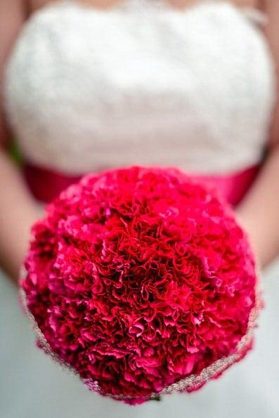 Armstrauß, Biedermeierstrauß, Brautjungfer, Brautkleid, Brautstrauß, Brautsträuße, Brautstraußwerfen, Bridal Bouquet, Hochzeit, Hochzeiten, Hochzeitsbilder, Hochzeitsfotograf, Hochzeitsfotos, Hochzeitsreportage, Kugelstrauß, profesionelle Hochzeitsbilder, professioneller Hochzeitsfotograf, Retro, Romantisch, Satinband, Satinbänder, Schleppe, Trend, Tropfenstrauß, USA, Verträumt, Vintage, Wasserfallstrauß, Waterfallbouquet, Wedding, Wurfstrauß, Zepterstrauß, Zweitstrauß (23)