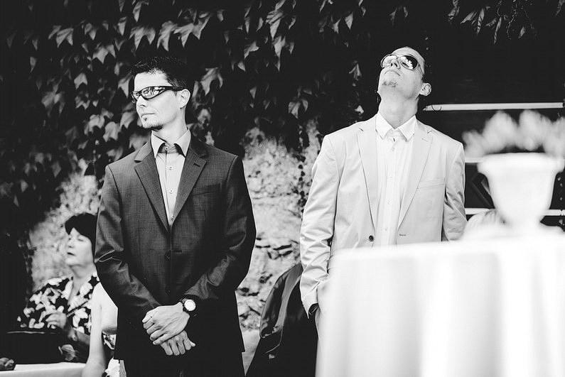 Ausland, Auslandshochzeit, Bozen, Fotografie, Get Ready, Getready, Gutshof, Hochzeit, Hochzeiten, Hochzeitsbilder, Hochzeitsfotograf, Hochzeitsfotos, Hochzeitsmakeup, Hochzeitsreportage, Idylle, Idyllisch, Italien, Kalterer See, Kaltern, Österreich, profesionelle Hochzeitsbilder, professioneller Hochzeitsfotograf, Romantisch, Romatnisch, Rustikal, See, Sonnenstrahlen, Süd Tirol, Südtirol, Tirol, Verträumt, Wedding, Wein, Weinberge, Weinreben (16)