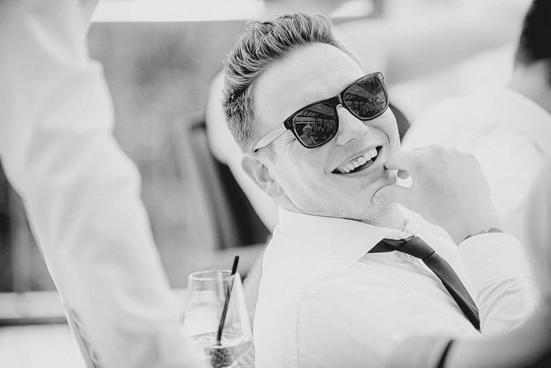 Aschaffenburg, Brautpaarbilder, Brautstrauß, Fotografie, Frankfurt, Garten, heimischer Garten, Hochzeit, Hochzeiten, Hochzeitsbilder, Hochzeitsfotograf, Hochzeitsfotos, Hochzeitsmakeup, Hochzeitsreportage, Natur, Pärchenfotos, Park, professionelle Hochzeitsbilder, professioneller Hochzeitsfotograf, Romantisch, Rothenbuch, Schloß, Schloßgarten, Sommer, Sommerhochzeit, Sonne, Sonnenschein, Sonnenstrahlen, Spechtshaardt, Spessart, Verträumt, Vintage, Wedding (29)