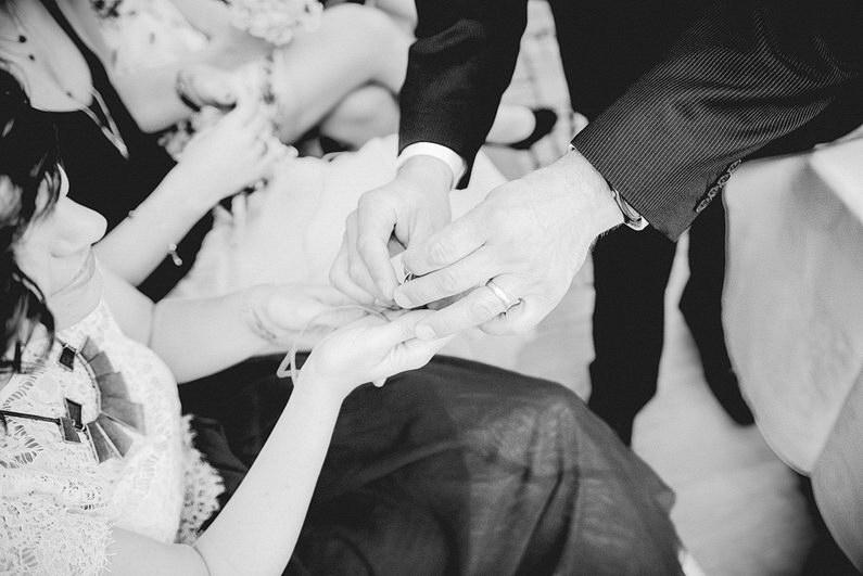 Aschaffenburg, Brautpaarbilder, Brautstrauß, Fotografie, Frankfurt, Heimat, Hochzeit, Hochzeiten, Hochzeitsbilder, Hochzeitsfotograf, Hochzeitsfotos, Hochzeitsmakeup, Hochzeitsreportage, Natur, Odenwald, professionelle Hochzeitsbilder, professioneller Hochzeitsfotograf, Romantisch, Rundumsorglos, Sommer, Sommerhochzeit, Sonne, Sonnenschein, Sonnenstrahlen, Stylisch, Verträumt, Vintage, Wedding (15)