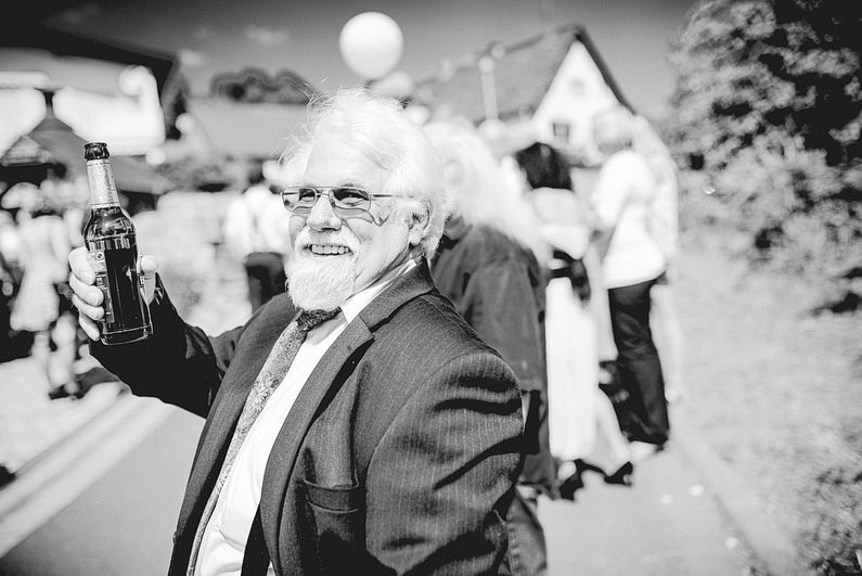 Aschaffenburg, Brautpaarbilder, Brautstrauß, Fotografie, Frankfurt, Heimat, Hochzeit, Hochzeiten, Hochzeitsbilder, Hochzeitsfotograf, Hochzeitsfotos, Hochzeitsmakeup, Hochzeitsreportage, Natur, Odenwald, professionelle Hochzeitsbilder, professioneller Hochzeitsfotograf, Romantisch, Rundumsorglos, Sommer, Sommerhochzeit, Sonne, Sonnenschein, Sonnenstrahlen, Stylisch, Verträumt, Vintage, Wedding (23)