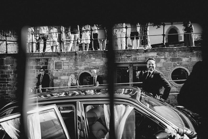 Aschaffenburg, Fotografie, Frankfurt, Großostheim, Gruppenbild, Hochzeit, Hochzeiten, Hochzeitsbilder, Hochzeitsfotograf, Hochzeitsfotos, Hochzeitsmakeup, Hochzeitsreportage, Hochzeitstorte, profesionelle Hochzeitsbilder, professioneller Hochzeitsfotograf, Reportage, Rhein-Main-Gebiet, Romantisch, Schloß Weiler, Sektempfang, Sommerhochzeit, Sonnenstrahlen, Standesamt, Streuobstwiese, süss, Verträumt, Vintage, Wedding, Weiler (18)