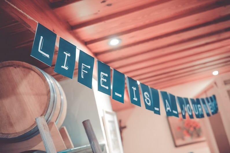 Allianz, Aschaffenburg, Brautstrauß, Fiat, Fiat 500 Oldtimer, Fotografie, Frankfurt, Fussball, Großostheim, Hochzeit, Hochzeiten, Hochzeitsbilder, Hochzeitsfotograf, Hochzeitsfotos, Hochzeitsmakeup, Hochzeitsreportage, Jaguar, Marcel Schäfer, Oberbessenbach, profesionelle Hochzeitsbilder, professioneller Hochzeitsfotograf, Regen, Regenhochzeit, Reportage, Rhein-Main-Gebiet, Rolls-Royce, Romantisch, Sektempfang, Standesamt, Verträumt, VfL Wolfsburg, Vintage, Wedding (31)
