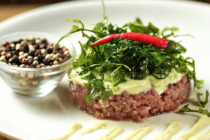 Tartar, Rucola fritiert, saftig, Aschaffenburg, Burger, Dessert, Essen, Filetsteak, Flanksteak, Food, Food Fotografie, Food-Fotografie-Studio, Foodbilder, Foodfotografie, Fotografie, Harald Peter Fotografie, On Location, Rhein-Main-Gebiet, Rumpsteak, Steak, Steaks, Teufels Küche, Teufelsküche, Werbefotografie, Werbung (4)