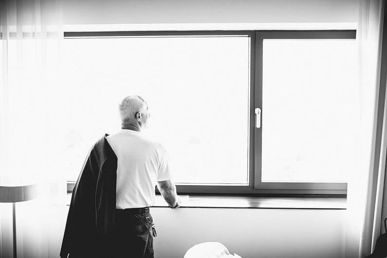 Bankenviertel, Fotografie, Frankfurt, Frankfurt City, Frankfurter Botschaft, Hochzeit, Hochzeiten, Hochzeitsbilder, Hochzeitsfotograf, Hochzeitsfotos, Hochzeitsmakeup, Hochzeitsreportage, nerdig, profesionelle Hochzeitsbilder, professioneller Hochzeitsfotograf, Reportage, Romantisch, Schatz-wir-heiraten, Simone Pfundstein, Skyline, Sonnenstrahlen, Star Wars, süss, Verträumt, Wedding, Wyndham Hotel (12)
