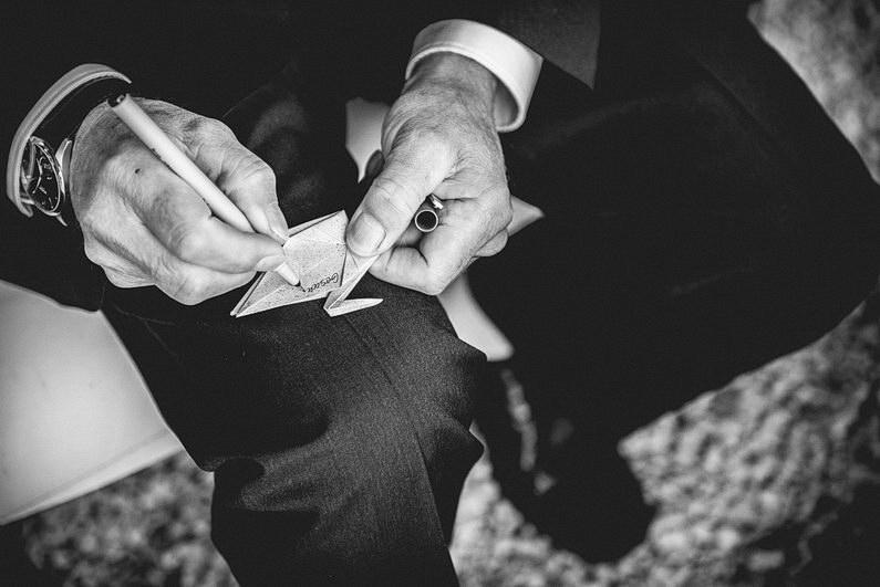 Bankenviertel, Fotografie, Frankfurt, Frankfurt City, Frankfurter Botschaft, Hochzeit, Hochzeiten, Hochzeitsbilder, Hochzeitsfotograf, Hochzeitsfotos, Hochzeitsmakeup, Hochzeitsreportage, nerdig, profesionelle Hochzeitsbilder, professioneller Hochzeitsfotograf, Reportage, Romantisch, Schatz-wir-heiraten, Simone Pfundstein, Skyline, Sonnenstrahlen, Star Wars, süss, Verträumt, Wedding, Wyndham Hotel (38)