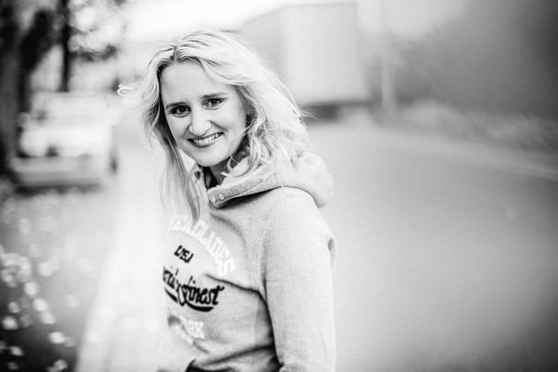 Black and White, Fotografie, Frankfurt, Großostheim, nachdenklich, Portfolio, Portrait, Project, Projekt, Schauspieler, Schauspielerin, Schwarz-Weiß, Schwarzweiß, street, street photography, streetphotography, streetstyle, Vita (6)