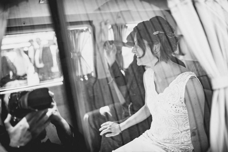 Aschaffenburg, Aschaffenburger Hafen, Bierliebe, Braut, Bräutigam, Fotografie, Gotisches Haus, Großostheim, Hafen, Hochzeit, Hochzeiten, Hochzeitsbilder, Hochzeitsfotograf, Hochzeitsfotos, Hochzeitsmakeup, Hochzeitsreportage, profesionelle Hochzeitsbilder, professioneller Hochzeitsfotograf, Reportage, Rhein-Main-Gebiet, Romantisch, Sektempfang, Sommerhochzeit, Standesamt, standesamtliche Hochzeit, standesamtliche Trauung, Standesbeamter, Urban, Urbane Hochzeit, Wedding (2)