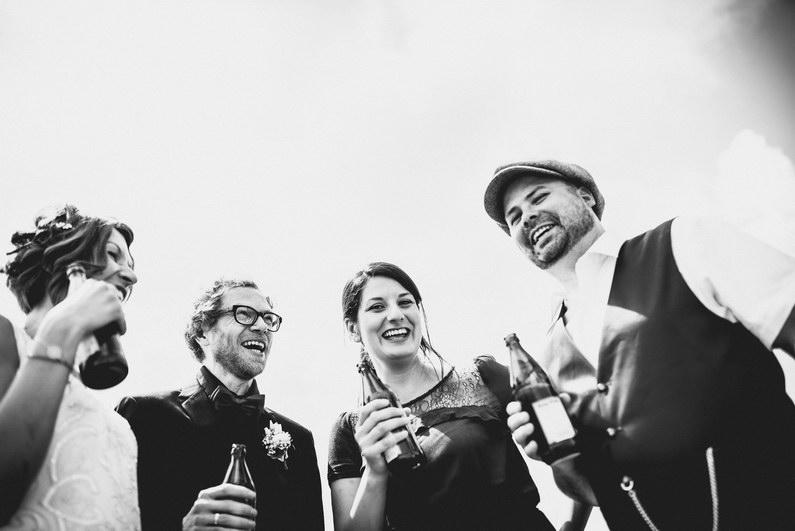 Aschaffenburg, Aschaffenburger Hafen, Bierliebe, Braut, Bräutigam, Fotografie, Gotisches Haus, Großostheim, Hafen, Hochzeit, Hochzeiten, Hochzeitsbilder, Hochzeitsfotograf, Hochzeitsfotos, Hochzeitsmakeup, Hochzeitsreportage, profesionelle Hochzeitsbilder, professioneller Hochzeitsfotograf, Reportage, Rhein-Main-Gebiet, Romantisch, Sektempfang, Sommerhochzeit, Standesamt, standesamtliche Hochzeit, standesamtliche Trauung, Standesbeamter, Urban, Urbane Hochzeit, Wedding (25)