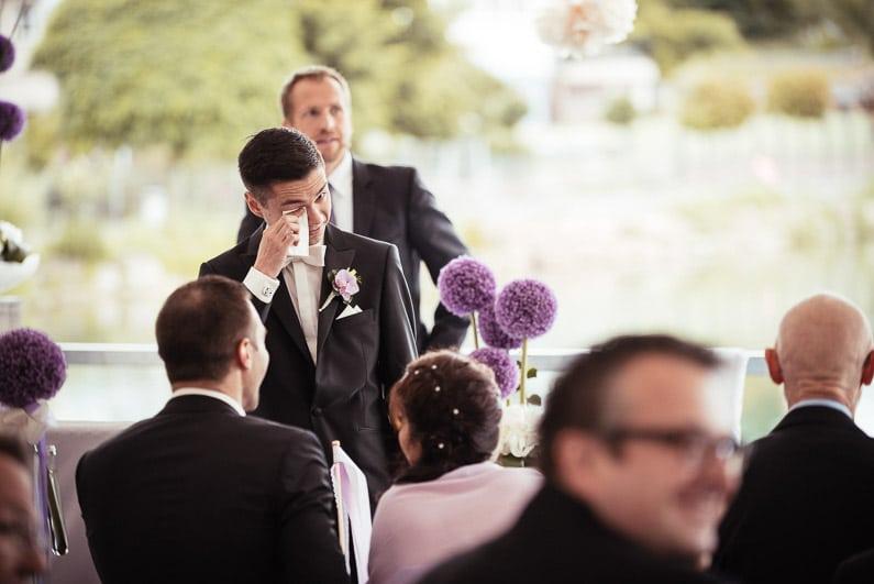 Aschaffenburg, Braut, Bräutigam, Brautstrauß, Brautstraussliebe, Deko, Dekoration, Fotografie, freie Trauung, Freudentränen, Glattbach, Hochzeit, Hochzeiten, Hochzeitsbilder, Hochzeitsdeko, Hochzeitsfotograf, Hochzeitsfotos, Hochzeitsliebe, Hochzeitsmakeup, Hochzeitsreportage, Idyllisch, locker, Manschettenknöpfe, Party, profesionelle Hochzeitsbilder, professioneller Hochzeitsfotograf, Reportage, Rhein-Main-Gebiet, Ringe, Romantisch, See, Seehotel Niedernberg, Sektempfang, Sommerhochzeit, Sonnenstrahlen, Star Wars Motto, süss, Trauredner, unkonventionell, Verträumt, Wedding — (8)