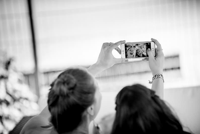 Aschaffenburg, Braut, Bräutigam, Brautstrauß, Brautstraussliebe, Deko, Dekoration, Fotografie, freie Trauung, Freudentränen, Glattbach, Hochzeit, Hochzeiten, Hochzeitsbilder, Hochzeitsdeko, Hochzeitsfotograf, Hochzeitsfotos, Hochzeitsliebe, Hochzeitsmakeup, Hochzeitsreportage, Idyllisch, locker, Manschettenknöpfe, Party, profesionelle Hochzeitsbilder, professioneller Hochzeitsfotograf, Reportage, Rhein-Main-Gebiet, Ringe, Romantisch, See, Seehotel Niedernberg, Sektempfang, Sommerhochzeit, Sonnenstrahlen, Star Wars Motto, süss, Trauredner, unkonventionell, Verträumt, Wedding — (25)