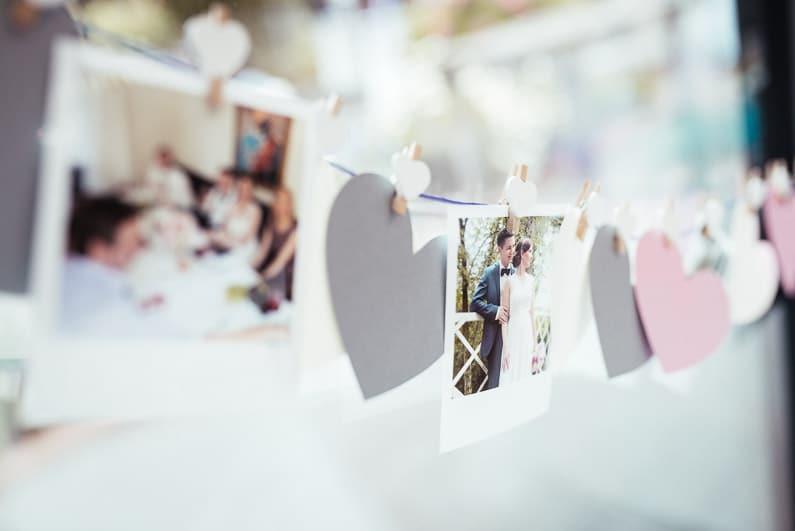 Aschaffenburg, Braut, Bräutigam, Brautstrauß, Brautstraussliebe, Deko, Dekoration, Fotografie, freie Trauung, Freudentränen, Glattbach, Hochzeit, Hochzeiten, Hochzeitsbilder, Hochzeitsdeko, Hochzeitsfotograf, Hochzeitsfotos, Hochzeitsliebe, Hochzeitsmakeup, Hochzeitsreportage, Idyllisch, locker, Manschettenknöpfe, Party, profesionelle Hochzeitsbilder, professioneller Hochzeitsfotograf, Reportage, Rhein-Main-Gebiet, Ringe, Romantisch, See, Seehotel Niedernberg, Sektempfang, Sommerhochzeit, Sonnenstrahlen, Star Wars Motto, süss, Trauredner, unkonventionell, Verträumt, Wedding — (44)