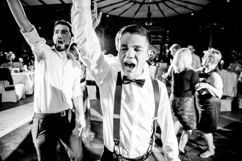 Aschaffenburg, Braut, Bräutigam, Brautstrauß, Brautstraussliebe, Deko, Dekoration, Fotografie, freie Trauung, Freudentränen, Glattbach, Hochzeit, Hochzeiten, Hochzeitsbilder, Hochzeitsdeko, Hochzeitsfotograf, Hochzeitsfotos, Hochzeitsliebe, Hochzeitsmakeup, Hochzeitsreportage, Idyllisch, locker, Manschettenknöpfe, Party, profesionelle Hochzeitsbilder, professioneller Hochzeitsfotograf, Reportage, Rhein-Main-Gebiet, Ringe, Romantisch, See, Seehotel Niedernberg, Sektempfang, Sommerhochzeit, Sonnenstrahlen, Star Wars Motto, süss, Trauredner, unkonventionell, Verträumt, Wedding — (64)