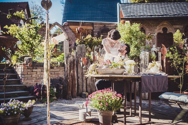 After-Wedding-Shooting, Braut, Bräutigam, Brautstrauß, Brautstraussliebe, Feature, Fotografie, freie Trauung, Freudentränen, Hochzeit, Hochzeiten, Hochzeitsbilder, Hochzeitsdeko, Hochzeitsfotograf, Hochzeitsfotos, Hochzeitsliebe, Hochzeitsmakeup, Hochzeitsreportage, Idyllisch, locker, Naked Cake, profesionelle Hochzeitsbilder, professioneller Hochzeitsfotograf, Reportage, Ringe, Romantisch, Sektempfang, Styled Shoot, Veröffentlichung, Verträumt, Wedding (54)