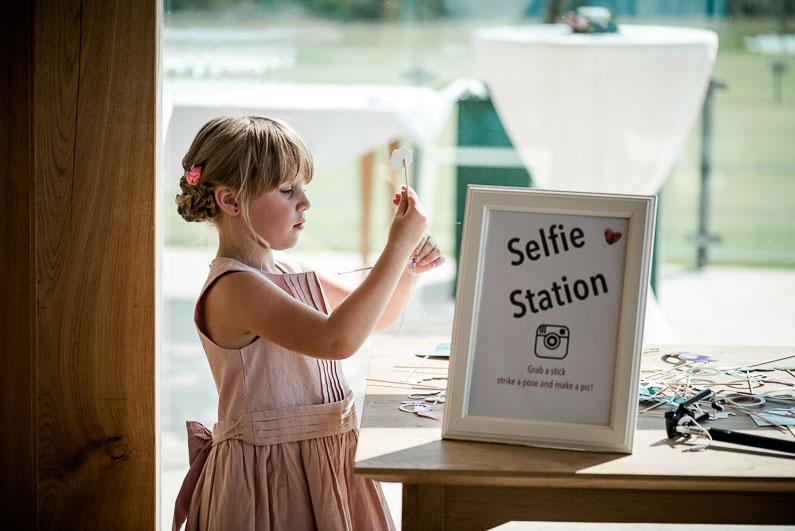 Selfie Bilder Rahmen Kind Mädchen Kleid süß Blume Instagram Stecker