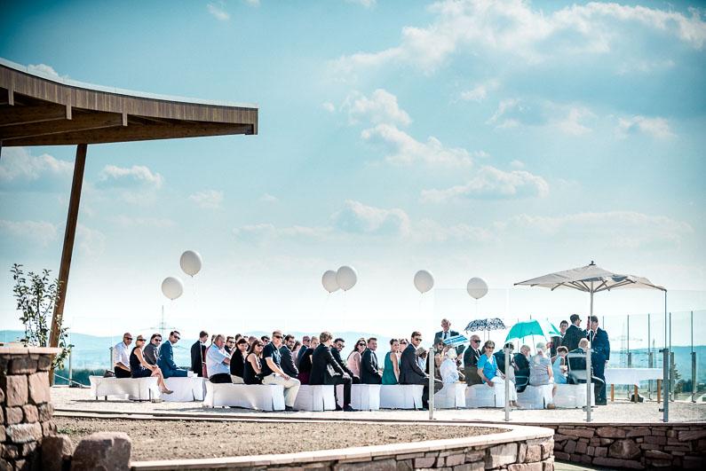 Himmel Wolken wunderschön Luftballons Gäste Trauung Sommer heiß