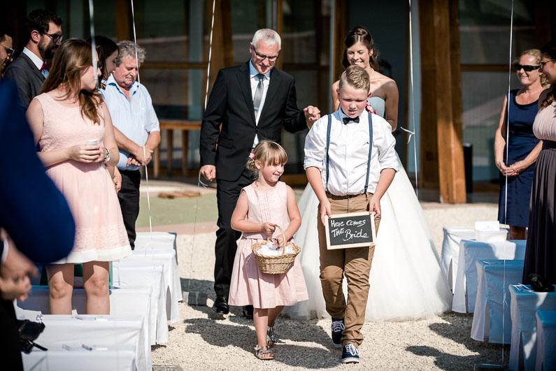 Gäste Kinder Schild Spruch Blumenmädchen Vater Tochter Braut Hochzeit Ballons