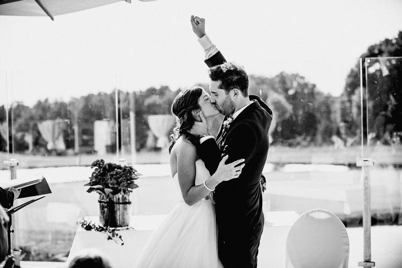 Braut Bräutigam Blumen Sieg Freude Spaß Stimmung Stolz Happy Liebe