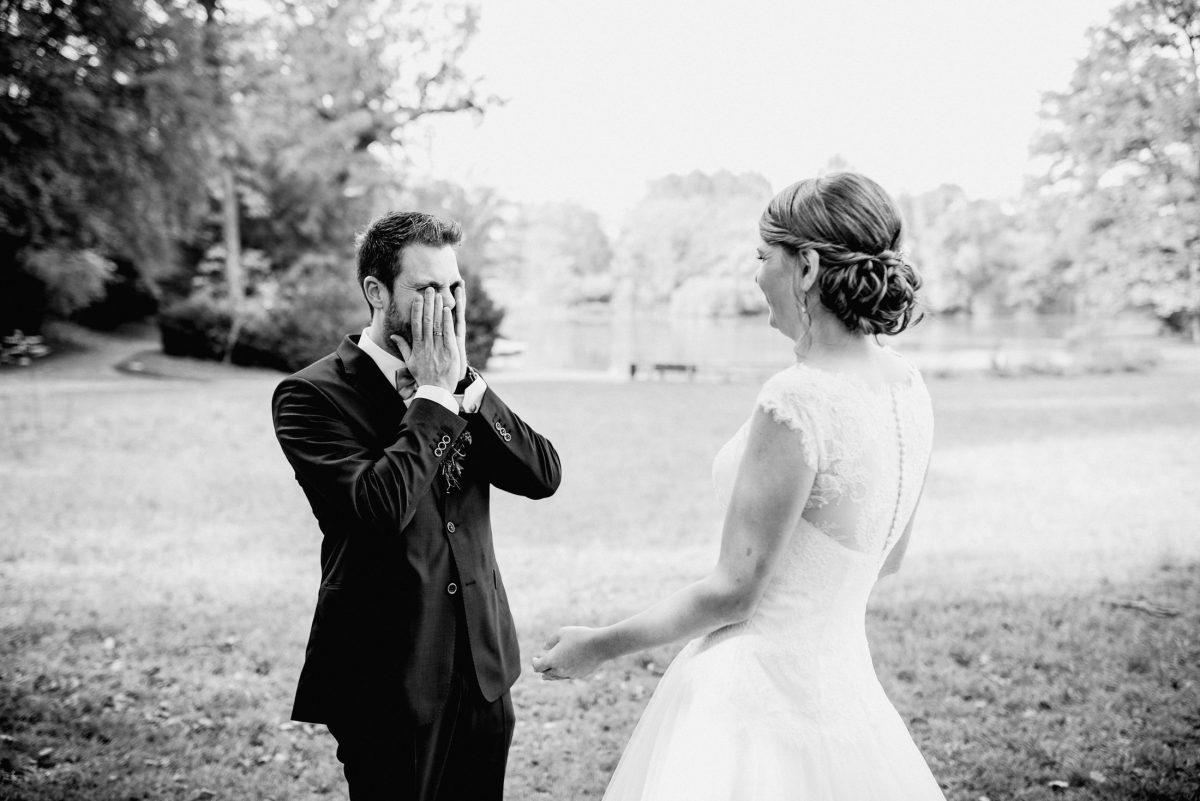 Überraschung Freude Hochzeit Braut Brautkleid Bräutigam Momente