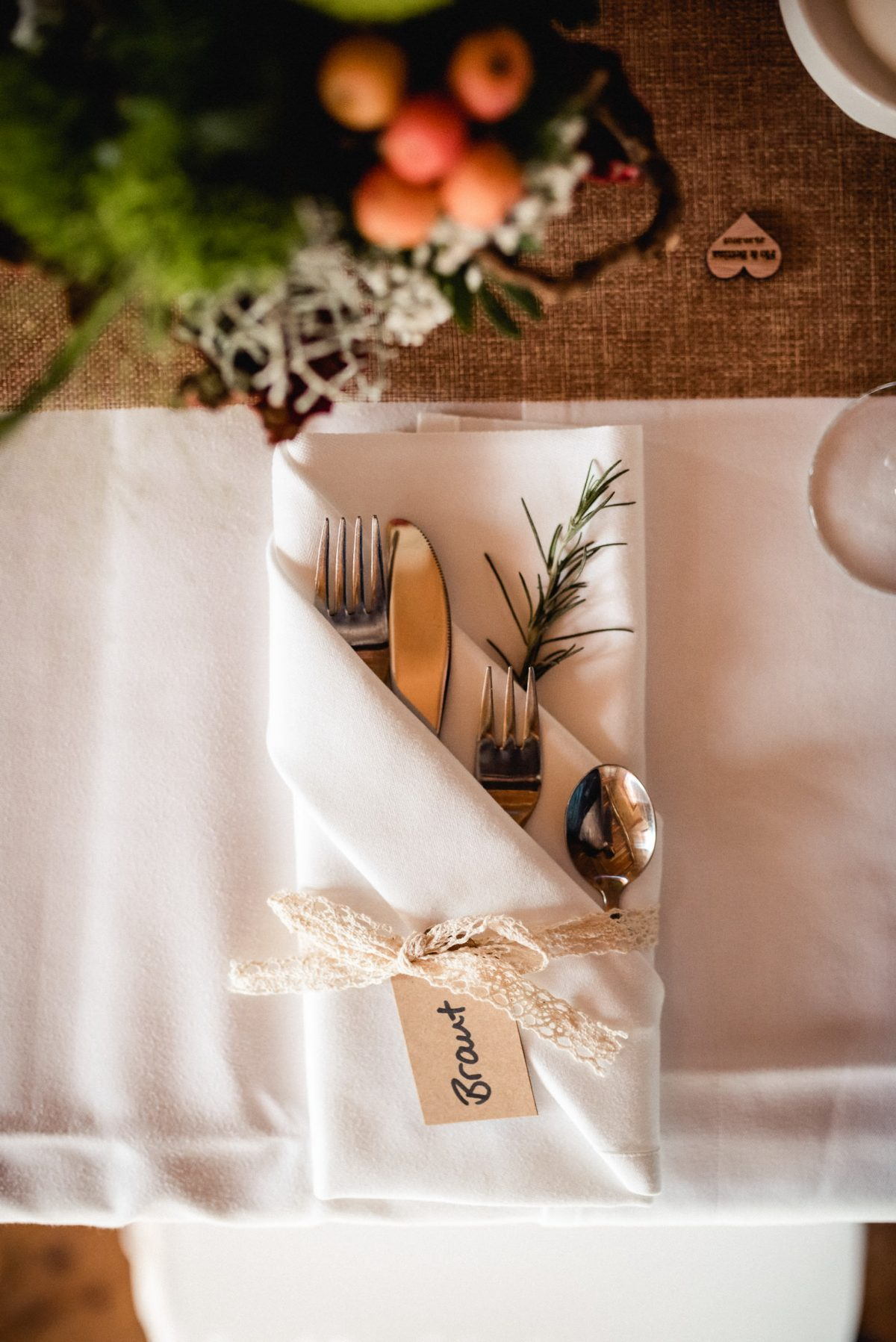 Besteck Rosmarin Dekoration Tische Essen Stoff Spitze Blumen Herze