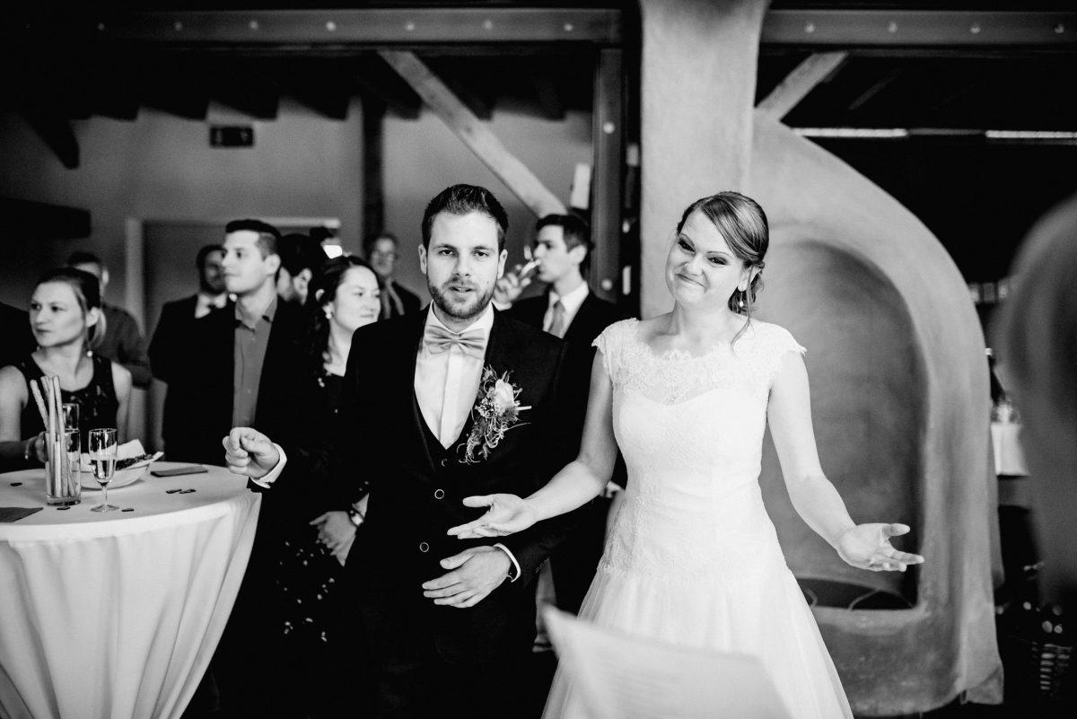 Rede Freude Feier Brautpaar Hochzeit Ehe Gäste Spaß Blumen Joke