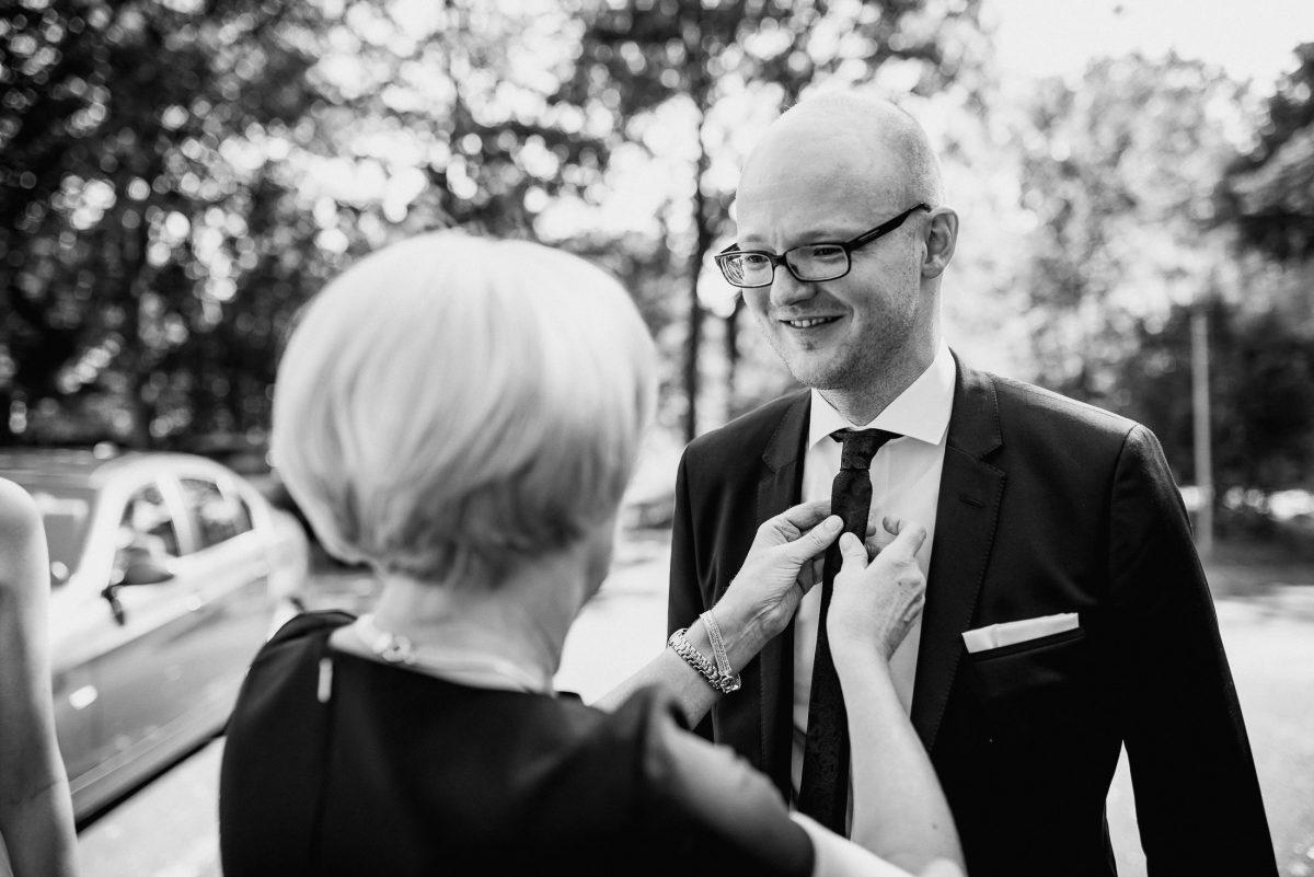 Mann Fau Bräutigam Mutter Sohn Krawatte Freude Hochzeit Anzug