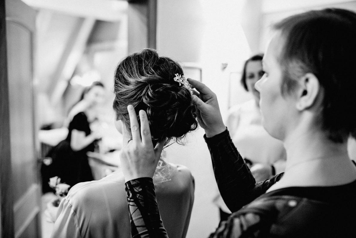 Hochzeit Frisur Schmuck Hairstyle Braut Stylistin Hochzeit Frauen Gäste