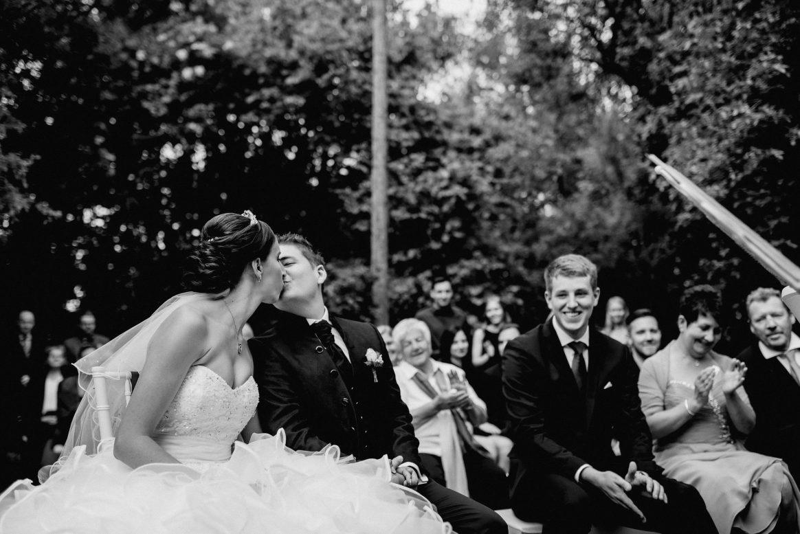 Kuss Hochzeit Liebe Paar Husband&Wife Applaus Freude Ehe Fotografie