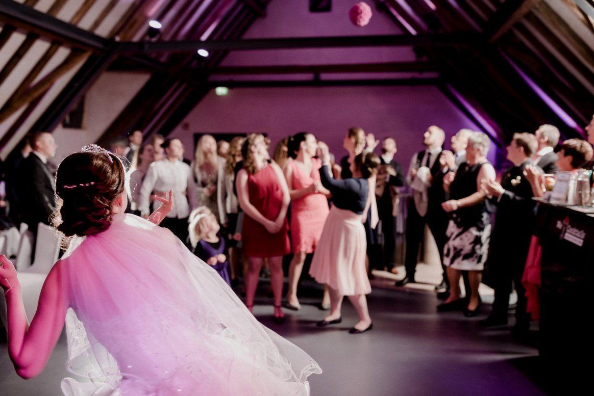 Feier Freude Musik Tanz Gäste Spaß Kinder Braut Party Kinder