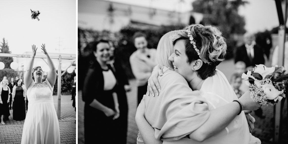 Brautstrauß werfen Frauen Tradition Spaß Umarmung Liebe Harmonie