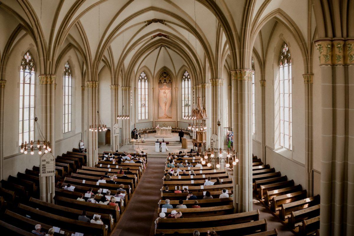 Kirche Hochzeit Trauung Liebe Bündnis Freunde Bekannte