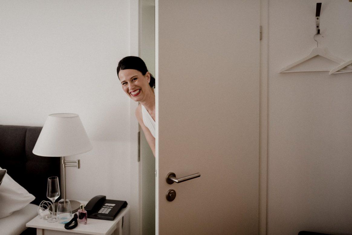 Lampe Sekt Woman Happy Aufgeregt Hotelzimmer Wedding