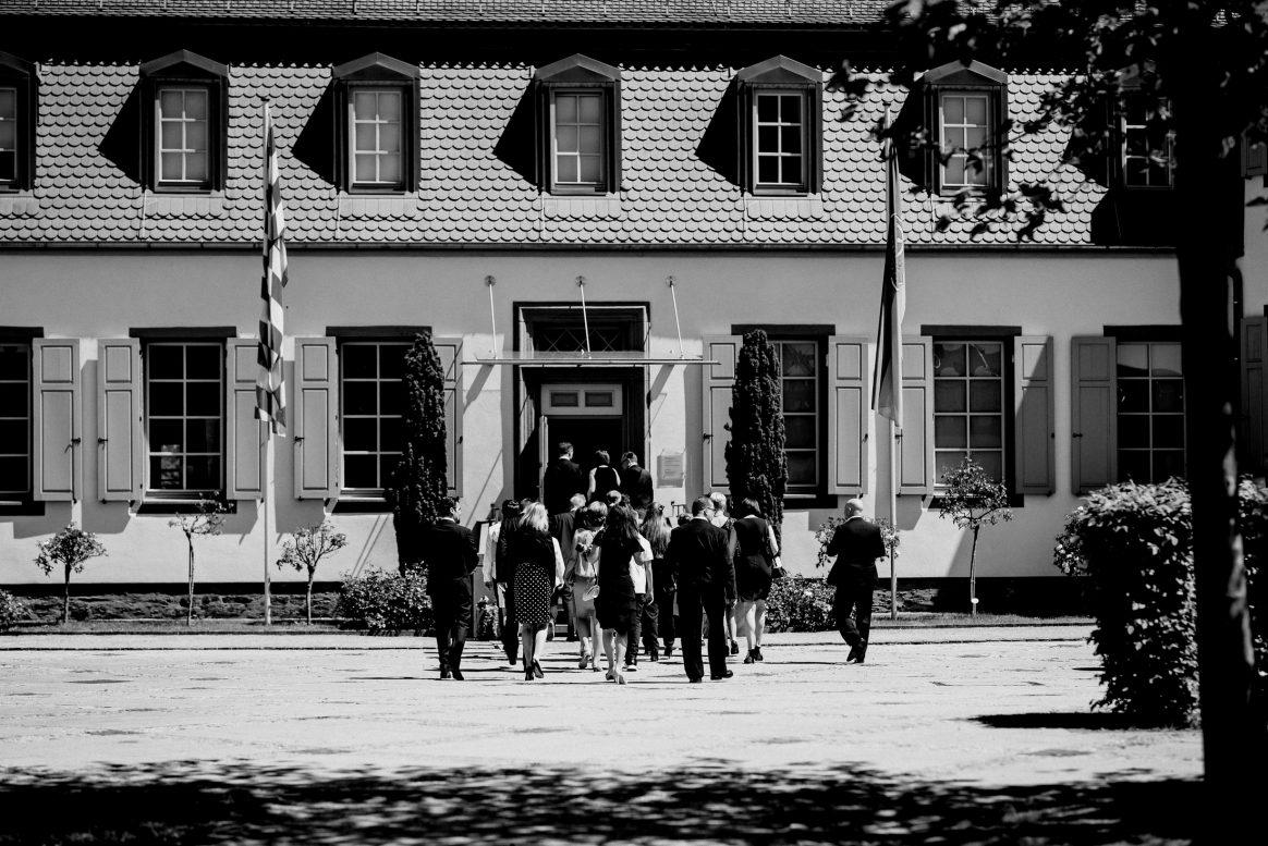 Alzenau Schwarz/Weiß Hochzeit Liebe Gäste Trauung Standesamt