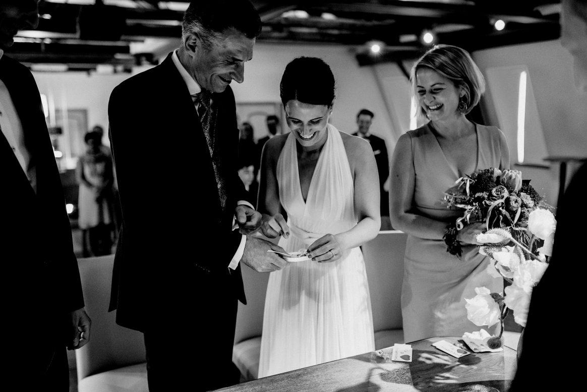 Ringe Eheschließung Freude Aufregung Trauzeugen Bündnis