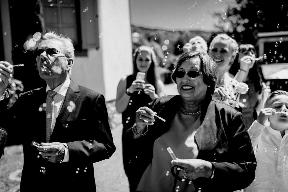 Seifenblasen Gäste Spaß Sommer Sonne Jubel Lachen