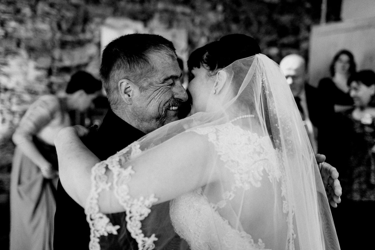 Umarmung Liebe Harmonie Mann Frau Braut Schleier Standesamt Glückwünsche