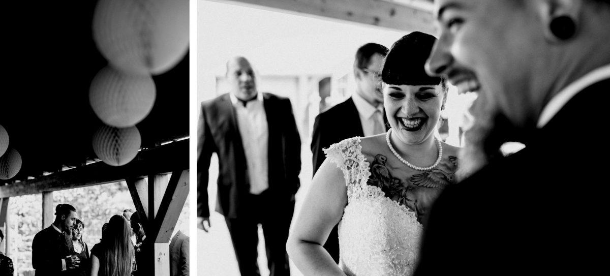 Freude Tattoos Männer lachen Spaß Stimmung Harmonie Hochzeit