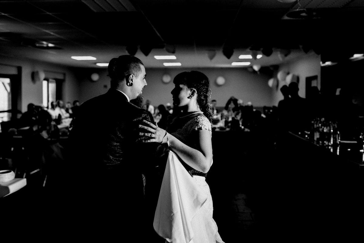 Tanz Musik romantisch Gäste Hochzeit Liebe Takt Spaß Partnerschaft