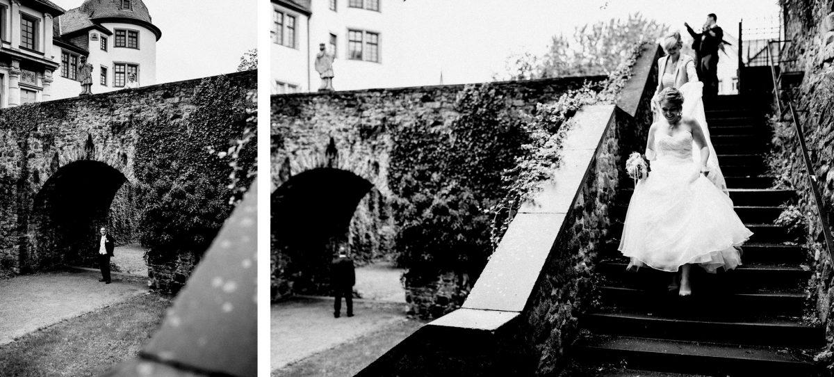 Altes Schloss Höchst Steintreppe Erste Begegnung