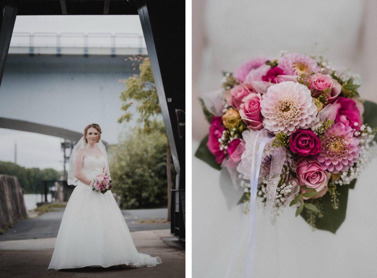 Braut Brautkleid weiß Brücke Gehweg Brautstrauß Blumen