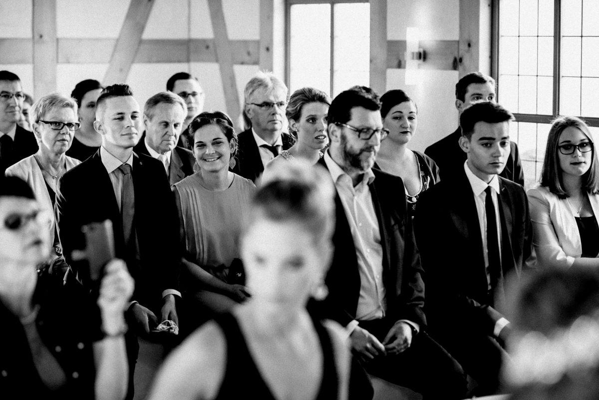 Dammühle Marburg Hochzeitsgäste Kapelle