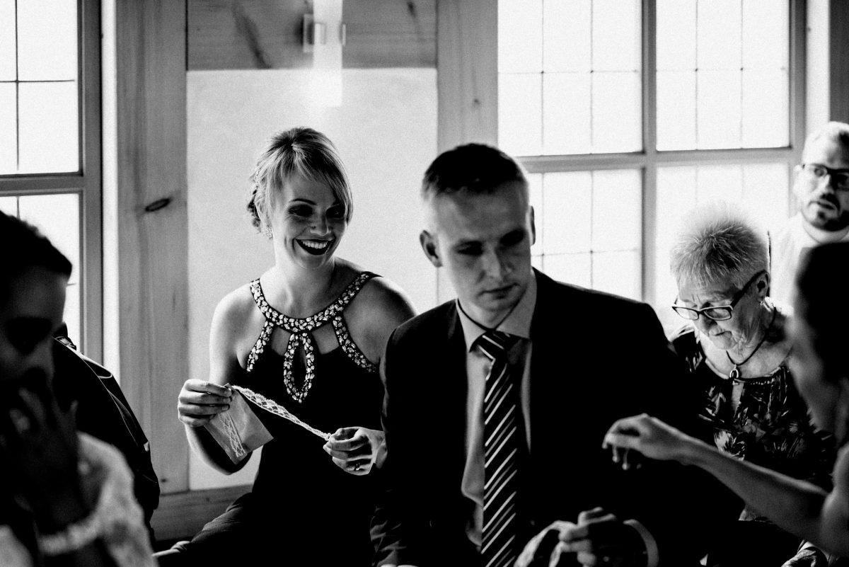 Spitzenband Hochzeitsgäste