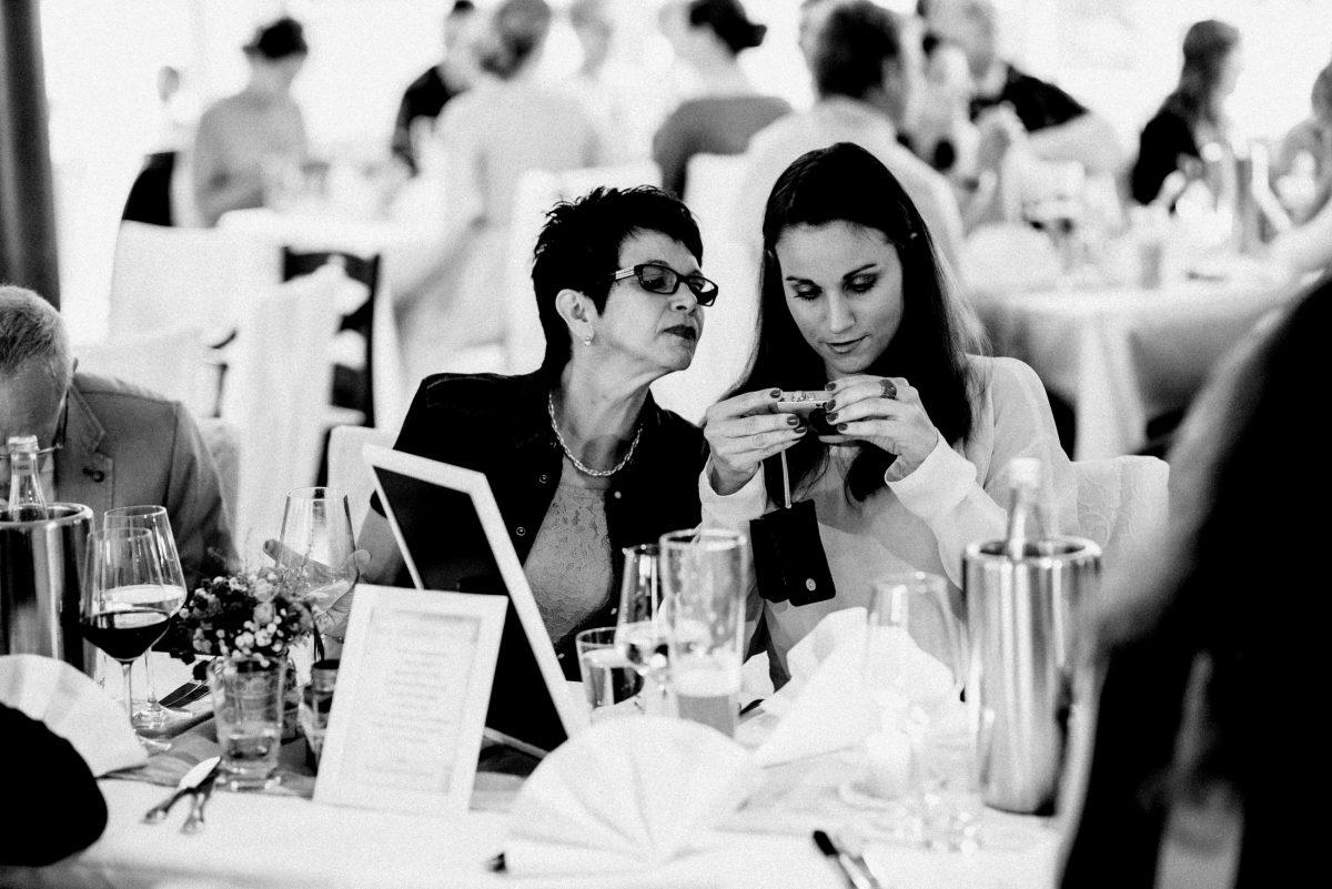 Bilder Digicam Foto Gäste Hochzeitsfeier